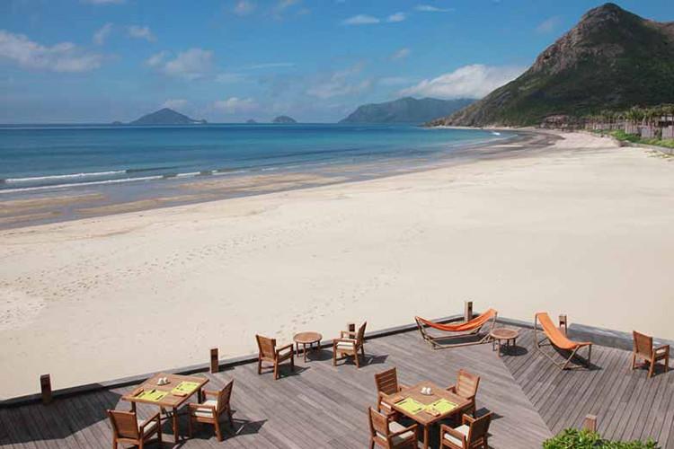 芽庄一日游(黑岛 汉潭岛)——岛上有洁白细腻的沙滩,您也得到很好的