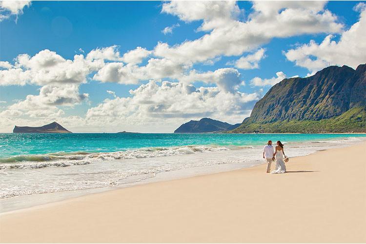 夏威夷海滩帐篷休闲体验——这里的海滩风景也时常吸引众多情侣来