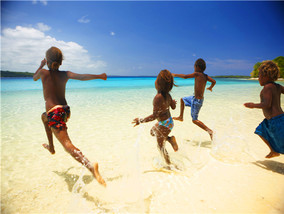 斐济瓦国双重体验<br />国际连锁华威酒店<br />赠送瓦国Ekasup民俗村游览