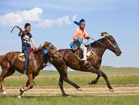 异国草原骑马<br />宿国家公园内蒙古包<br />别样亲子体验