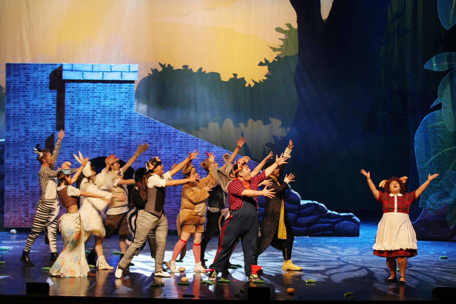 儿童歌舞剧麻雀与小孩
