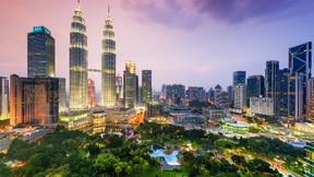 新加坡、马来西亚精华6-7日游【升级1-2晚马来西亚国际五星PJ希尔顿或同级/打卡哈芝巷 滨海湾花园灯光秀 甘榜格南】