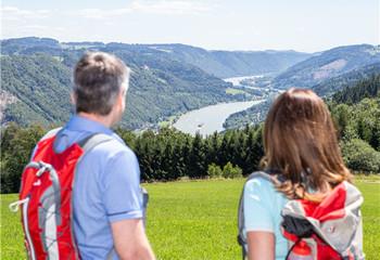 奥地利 漫步高山湖水间