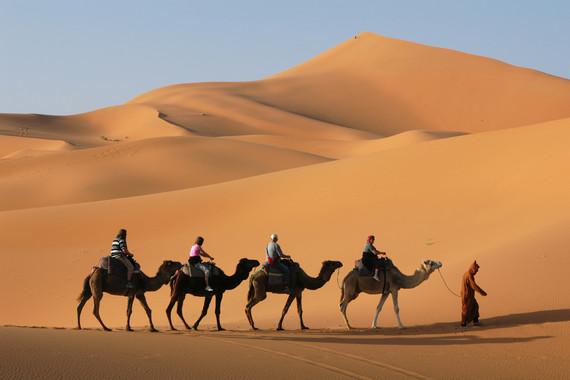 【耀宁夏】星星沙漠/腾格里沙漠营地双卧4日【篝火晚会/自助烧烤/摩洛哥帐篷】