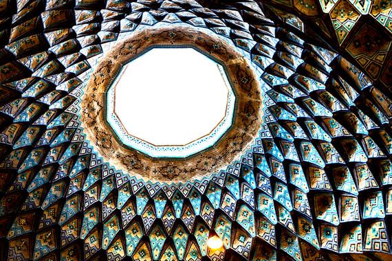 【无购物】伊朗9晚12日经典游(卢特沙漠+伊斯法罕+波斯波利斯+设拉子+亚兹德古城)