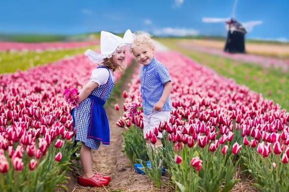 【热卖产品】荷兰+比利时10-11亚博体育app【羊角村/梵高公园/天堂书店/鲁尔蒙德购物村】
