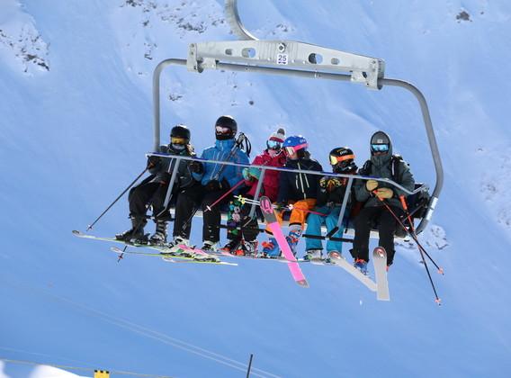 【瑞士滑雪】儿童滑雪训练营7晚9天半自助【铁力士山/高山湖滑雪酒店/中文教练课程/精选雪场】